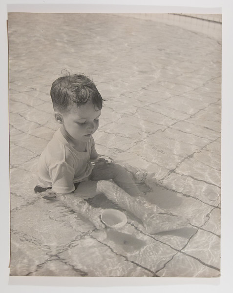 Stanley in the pool, Heidelberg