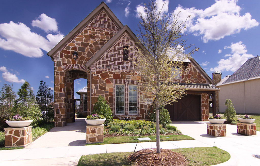 KHov Model at Villas at Craig Ranch<br /> 5901 River Highlands<br /> McKinney, TX 75070