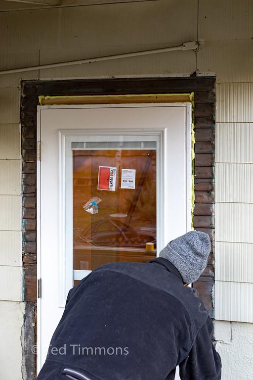 Matt, foaming the door cracks.