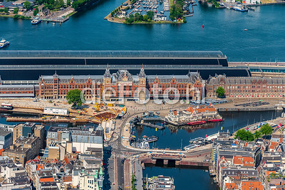 Amsterdam Centraal Station uit de lucht