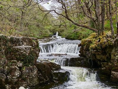 The Sgwd Ddwli Isaf waterfall on the walking path from Pontneddfechan