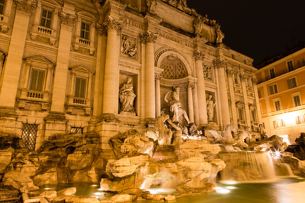 Trevi Fountain (1)