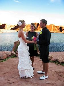Red rock wedding at Lake Powell