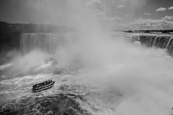 Niagara Falls - Canada BW