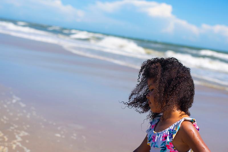 20190722 Sophia At Beach 210Ed
