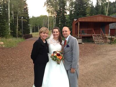 Romantic summer wedding at Red Pine Lodge Canyons Utah