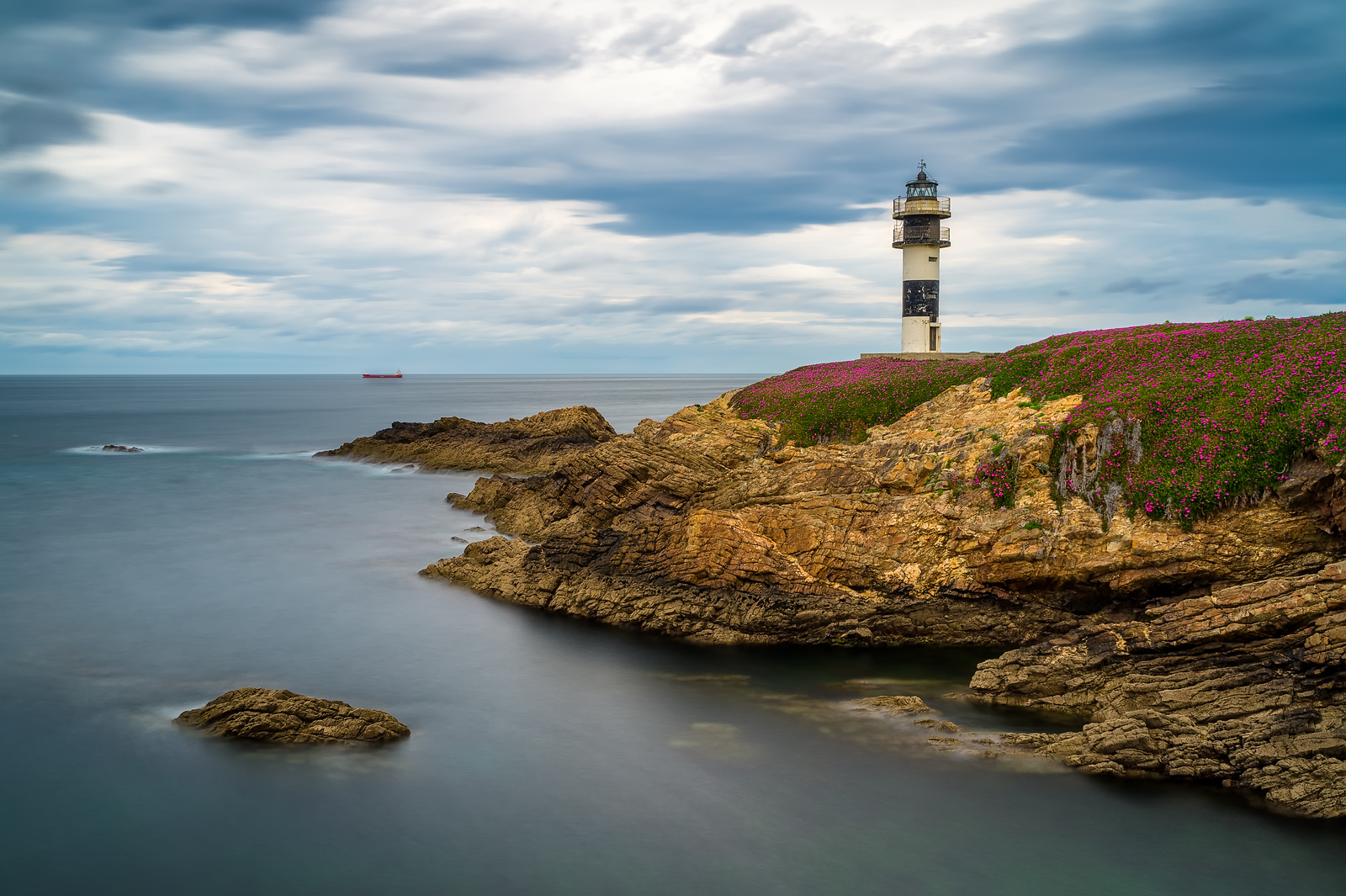 The peaceful lighthouse