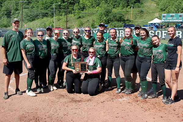 Wyoming East Lady Warriors, 2021 Sectional Champions.