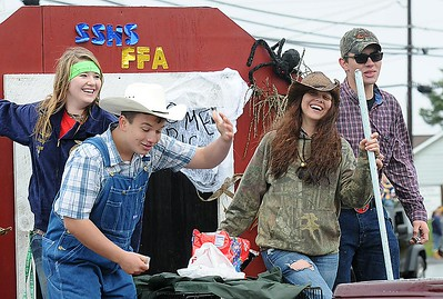 Rick Barbero/The Register-Herald FFA students in the Shady Spring homecoming parade on Route 19 in Shady Spring Saturday morning.