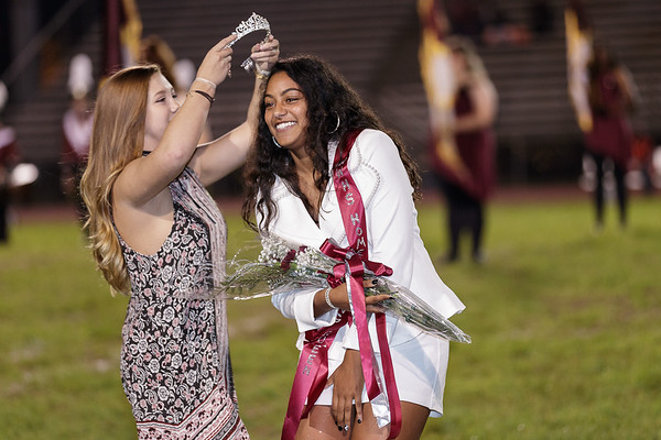 Aaliyah Williams is crowned the Homecoming Queen. Chad Foreman for the Register-Herald.
