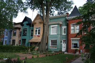 The row of six that my house was a part of is fairly unique in the city as far as I know.  The symmetry is from the outside in to the middle.  When I realized this fact, I really started to appreciate the very tasteful and right-sized units.  Think I finally 'loved' this house the day we sold it.  Whoops.
