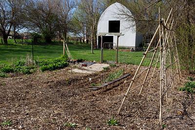Barn and garden, 4/10