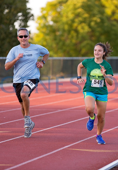 Friday Knight 5K Family Weekend Photos by Annalee Bainnson