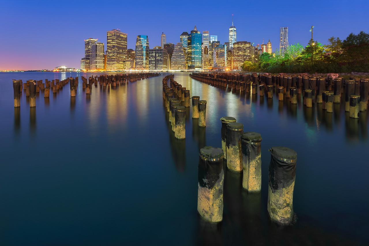 Brooklyn-Pylons-Blue-FR