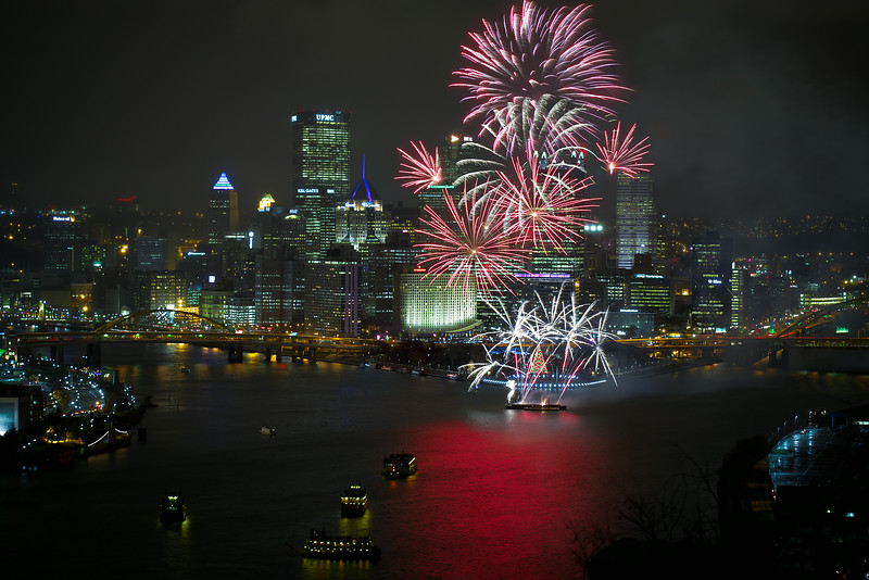 Pittsburgh-Lightup-Night-2013-FR