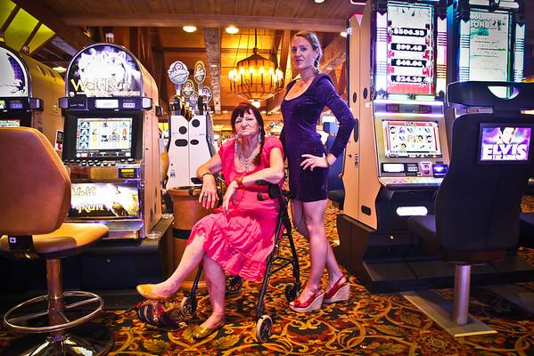 Casino Gals