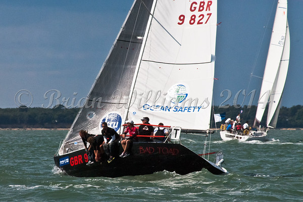 """Quarter Ton GBR9827 """"Bad Toad"""" racing  at AAM Cowes Week 2014"""