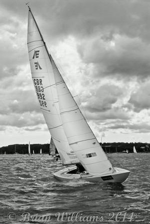 "Etchells ""China White"" GBR992 racing at Cowes Week 2014"