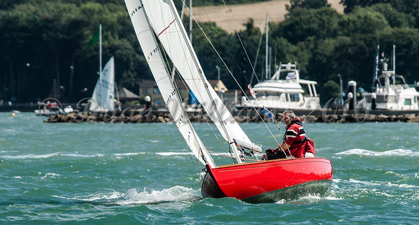 Solent Sunbeam;  V25 QUERY sailing at Cowes Week 2016 day 1