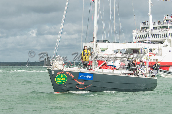 One Wave Ahead a Waarschip 12.20 GBR 1000X at the Lendy Cowes Week 2017