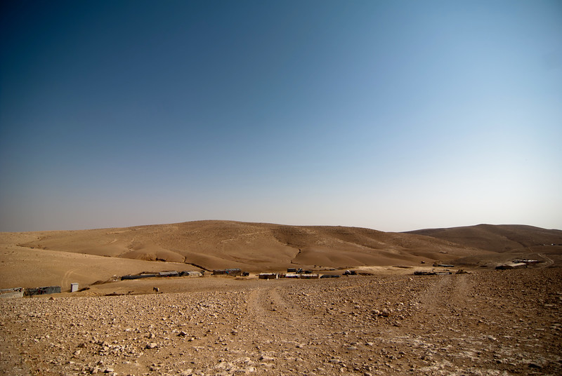 A Palestinian Bedouin village in the South Hebron Hills 希伯崙南部山嶺的巴勒斯坦貝都因人村落