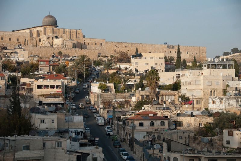 Silwan, a pre-dominantly Palestinian neighbourhood just outside the Old City of Jerusalem, is one of the many settlement targets of the Israeli government 兆雲,一個位處耶路撒冷舊城旁、以巴勒斯坦人為主的社區,是以色列政府的目標殖民區之一