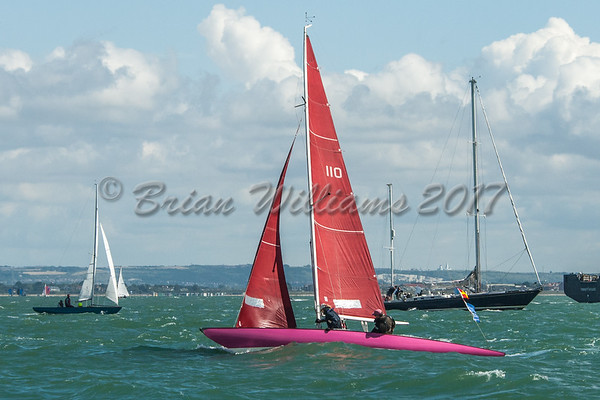 Redwing FORTUNA racing at Lendy Cowes Week 2017