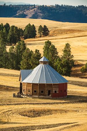 Round Barn neat Troy Oregon