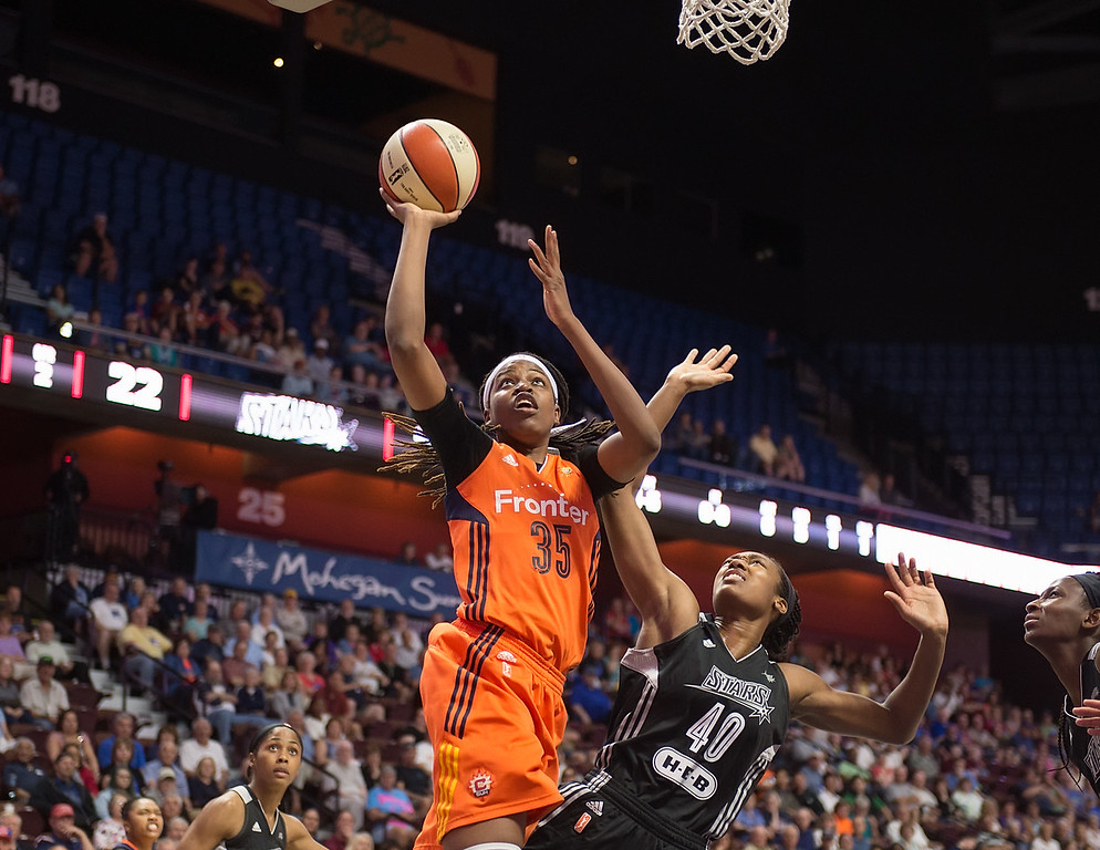 San Antonio Stars vs Connecticut Sun June 19, 2016