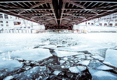 under the michigan avenue bridge