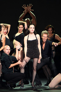 Bebe Neuwirth and company in Chicago