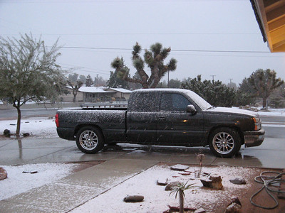 ALL DAY SNOW IN HESPERIA & STILL GOING TONIGHT 12-17-08