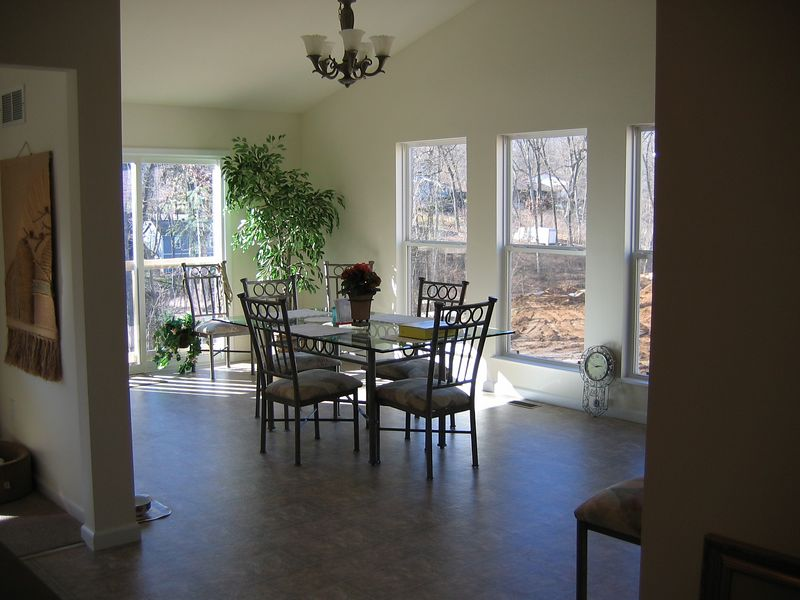 Breakfast Room from Kitchen>