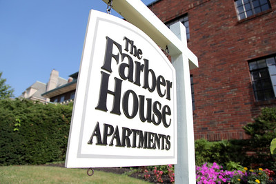 Le Grande Jatte & Farber House