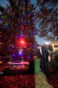 Effingham Mayor Jeff Bloemker lights the Christmas tree Saturday evening during Hometown Christmas sponsored by the Downtown Effingham Business Group and Effingham County Chamber of Commerce. Chet Piotrowski Jr. photo/Piotrowski Studios