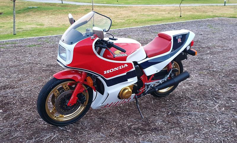 Honda CB1100RC -  (6)
