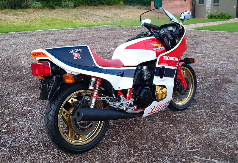 Honda CB1100RC -  (3)