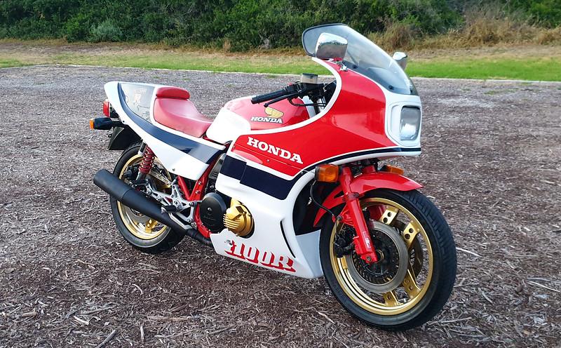 Honda CB1100RC -  (2)