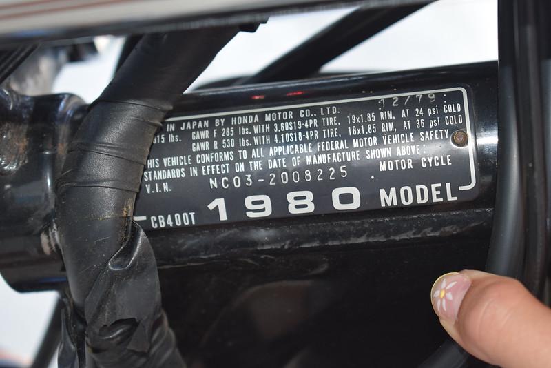 Honda CB400T Hawk -  (32)
