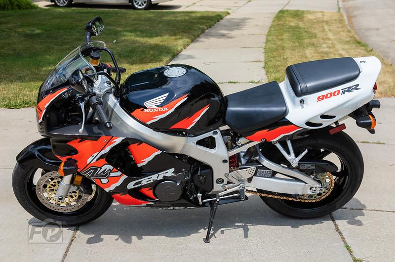 Honda CBR900RR -  (12)