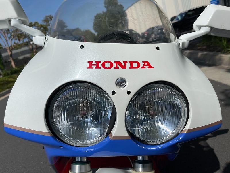 Honda RC30 -  (105)