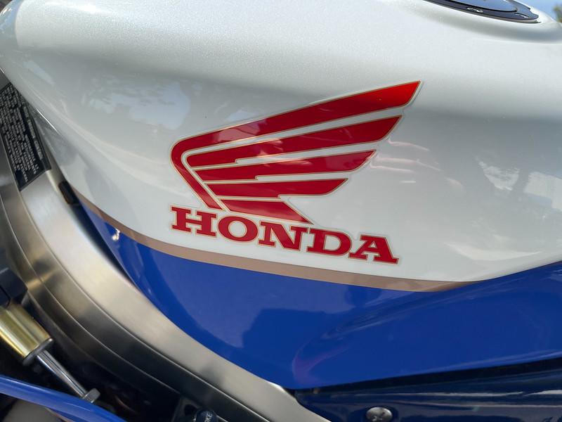 Honda RC30 -  (116)