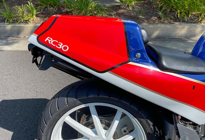 Honda RC30 -  (112)