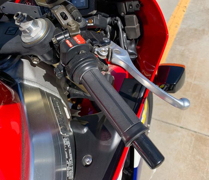 Honda RC45 -  (25)