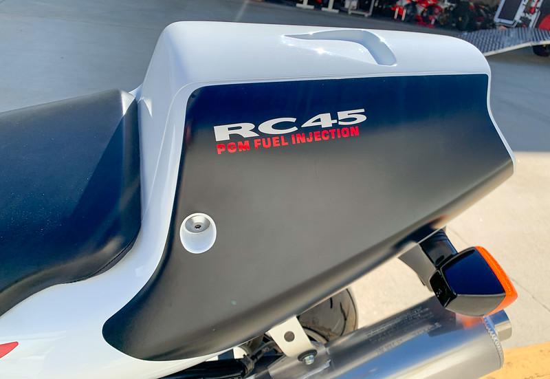 Honda RC45 -  (18)