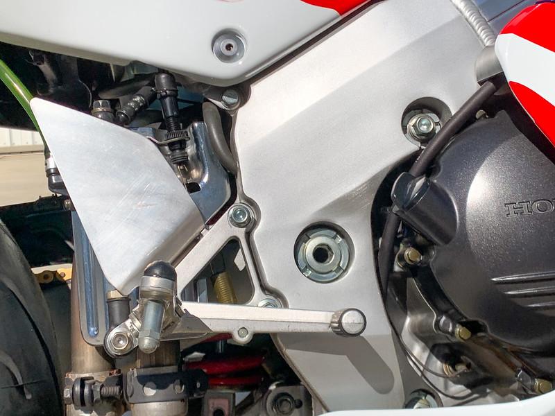 Honda RC45 -  (34)