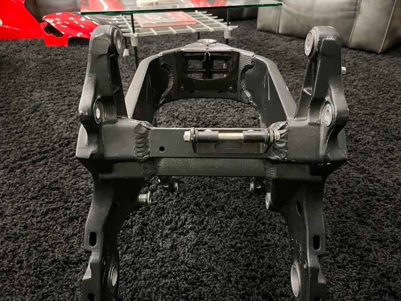 Honda RC51 Frame -  (16)