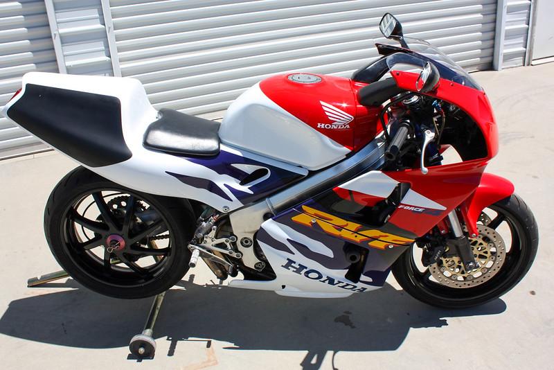 Honda RVF400 -  (21)