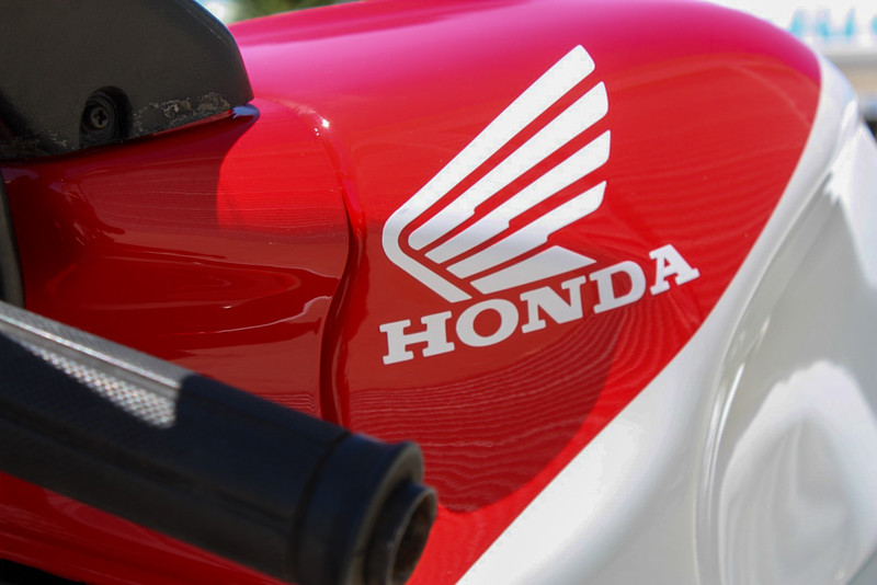 Honda RVF400 -  (12)