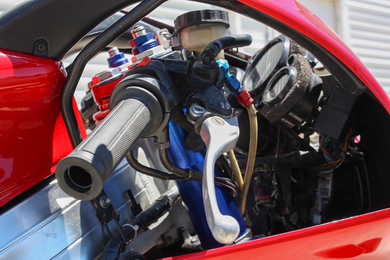 Honda RVF400 -  (17)